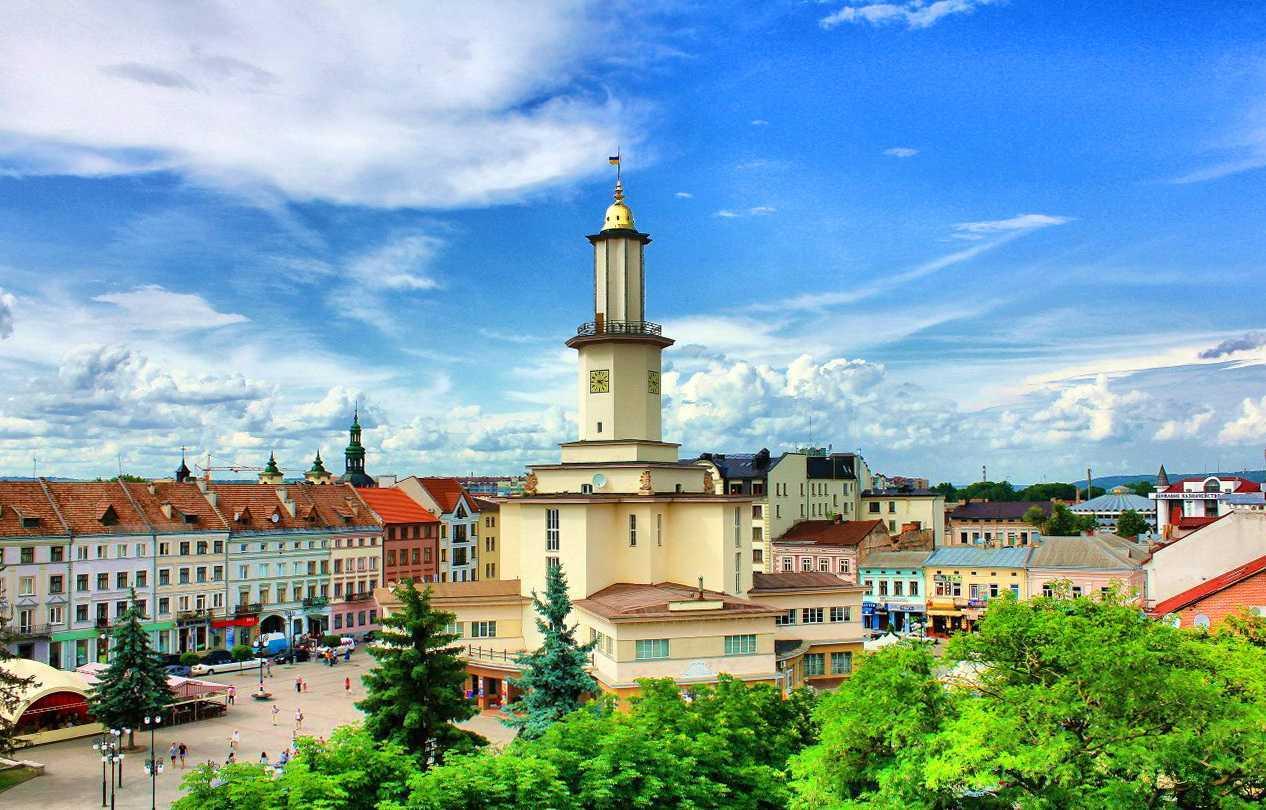 Івано-Франківськ став фіналістом конкурсу «Молодіжна столиця України»