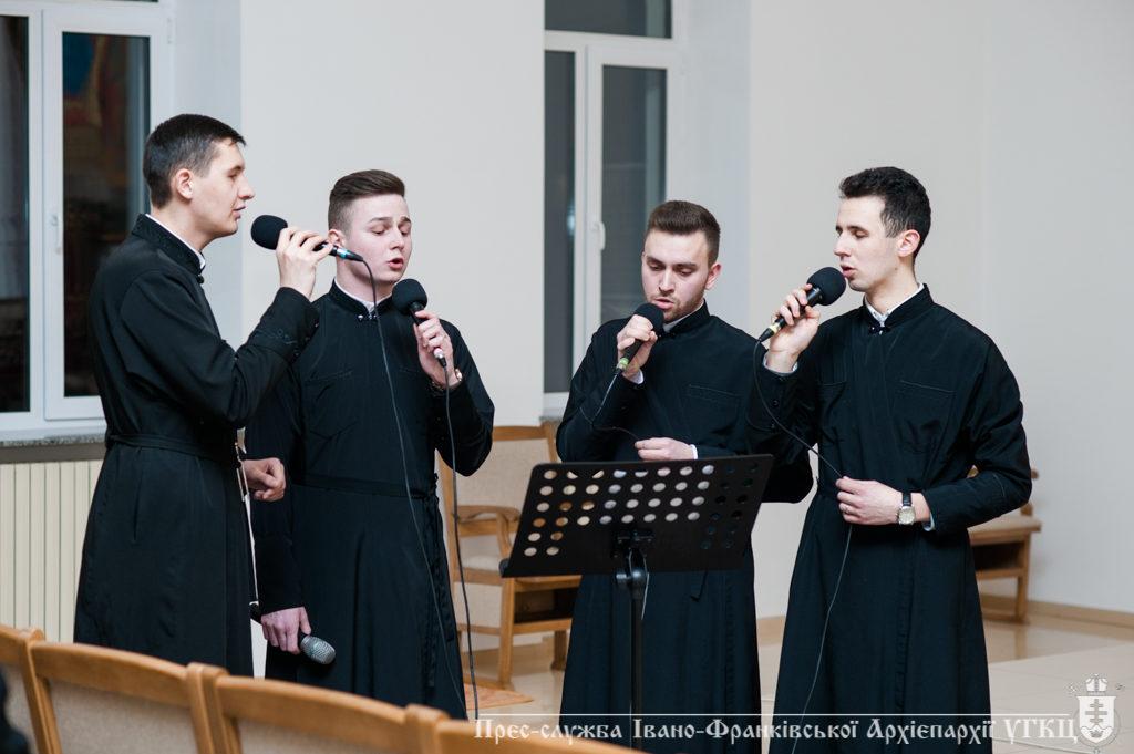У Івано-Франківську майбутні священики презентували свій перший аудіоальбом (фото, відео)