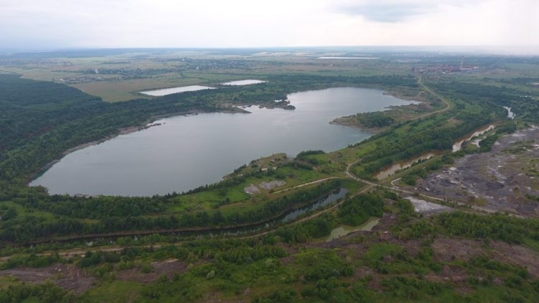 У мережі оприлюднили вражаюче фото Калуського озера (фотофакт)