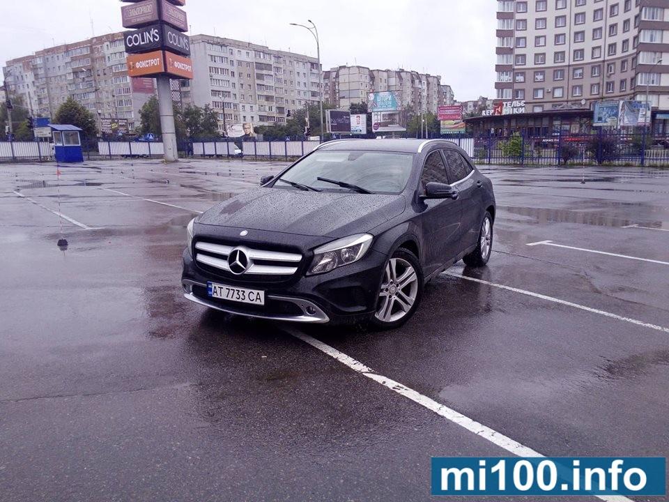 В Івано-Франківську проходять змагання із автослалому (фоторепортаж)
