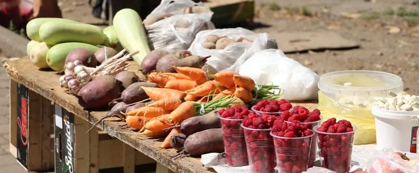 У Франківську на розі вулиць К.Данила і Південного бульвару впорядковують ринок (відеосюжет)