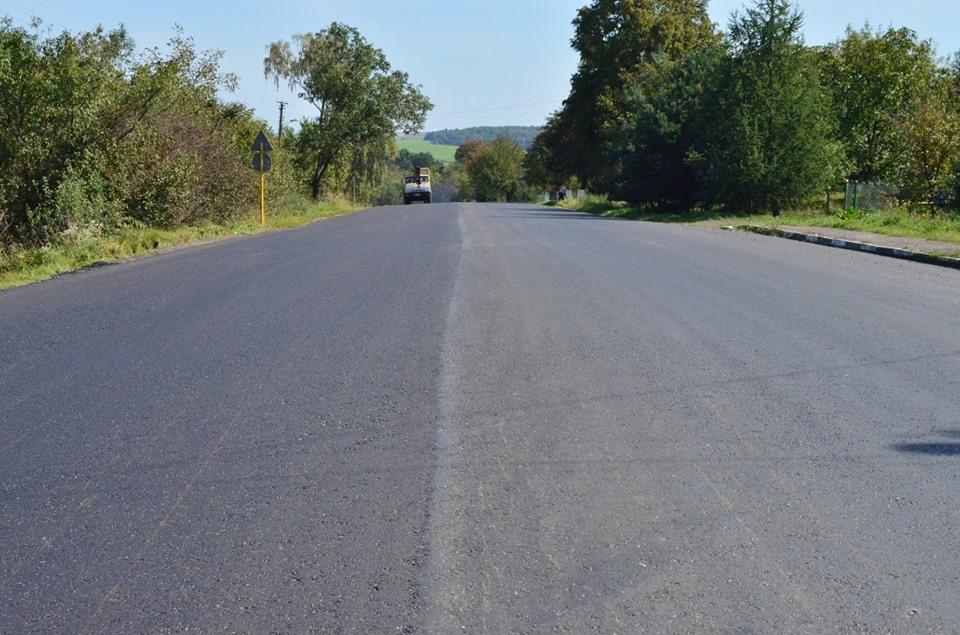 На Прикарпатті завершують ремонт дороги державного значення