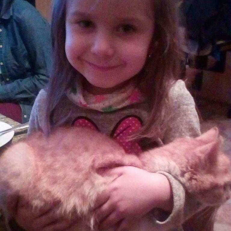 Шестирічній дівчинці з Калуша Соломійці Хемій потрібна допомога для боротьби з недугою