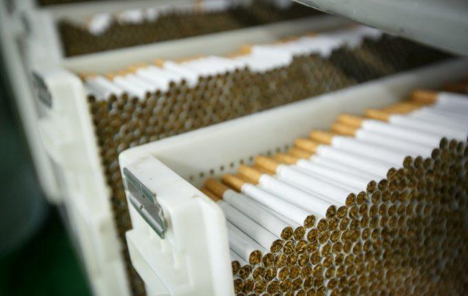 Вантажівка з Івано-Франківська перевозила контрабандні цигарки