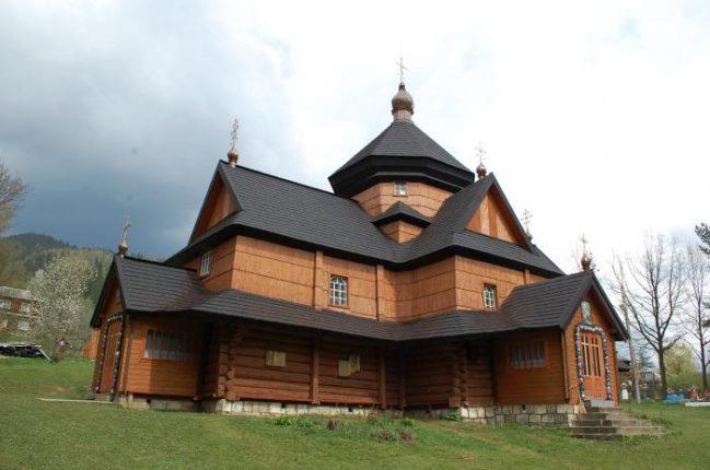 На Прикарпатті розпочались зйомки передачі про церкви Верховинського району