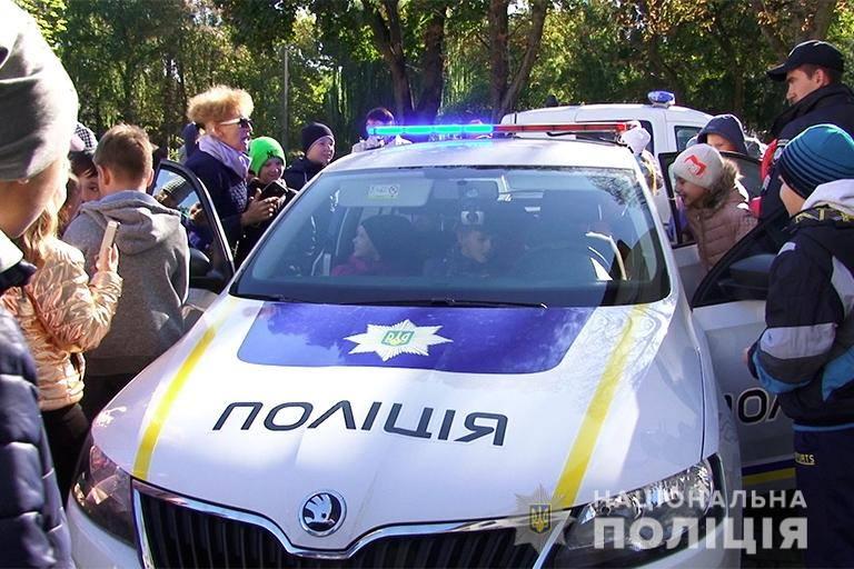"""Результат пошуку зображень за запитом """"Прикарпатські поліцейські поспілкувалися з бурштинськими школярами"""""""