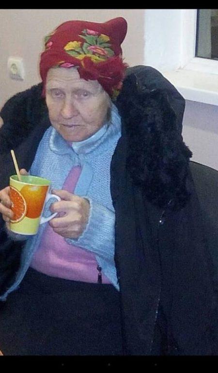 Ніч на вулиці: у Франківську старенька жінка блукала містом, бо не могла потрапити додому (фотофакт)