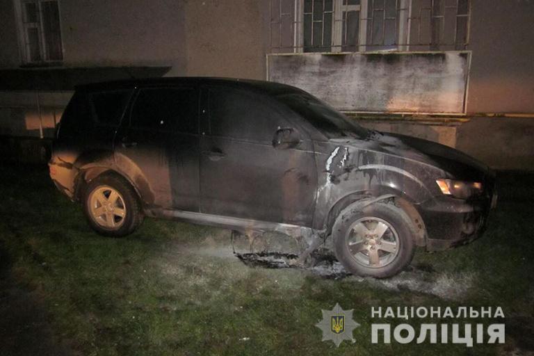 Буремні 90-ті повернулися до Коломиї: в місті другий підпал автомобіля за тиждень (фотофакт)