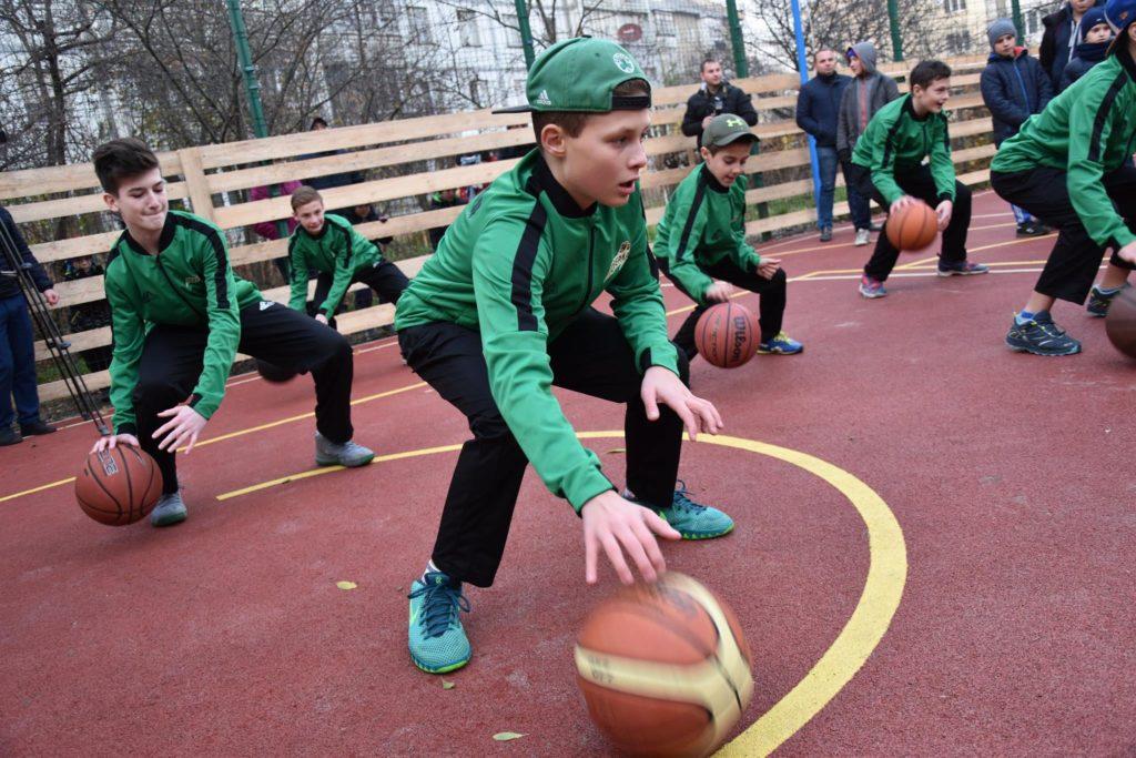 На Целевича відкрили сучасний спортивний майданчик (фоторепортаж)