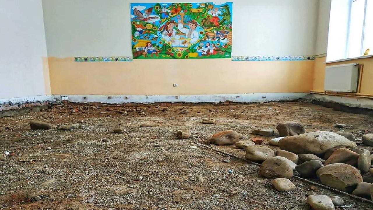 """Результат пошуку зображень за запитом """"У Кривецькій школі розпочався ремонт першого поверху"""""""
