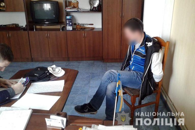 """Результат пошуку зображень за запитом """"Франківець, який перебував у розшуку, викрав з підприємства 15 тисяч гривень"""""""