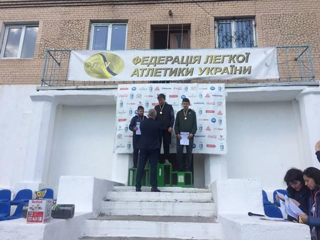 Прикарпатські легкоатлети вибороли перемогу на всеукраїнських змаганнях (фотофакт)