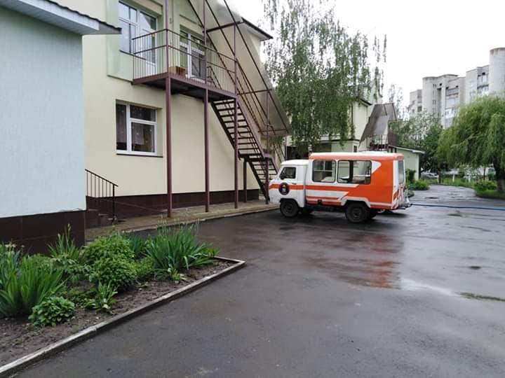 Внаслідок негоди у Івано-Франківську підтоплено дитячий садок (фотофакт)