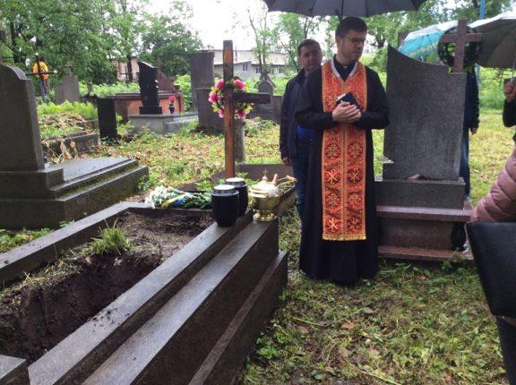 З Німеччини в Коломию: перепоховали нащадків відомого прикарпатця (фоторепортаж)