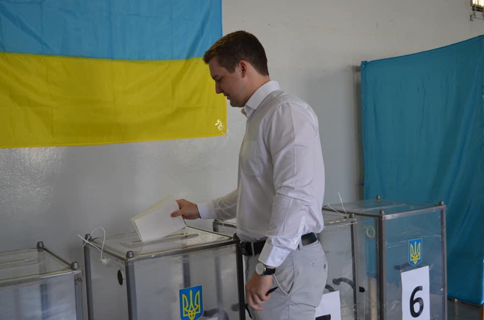 Руслан Марцінків проголосував на виборах до Верховної Ради (ФОТО), фото-4