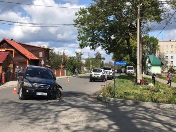 У Рожнятові зіткнулися автівка та мотоцикл: є травмовані