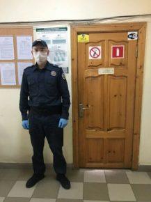 У Калуському суді посилили охорону: фото