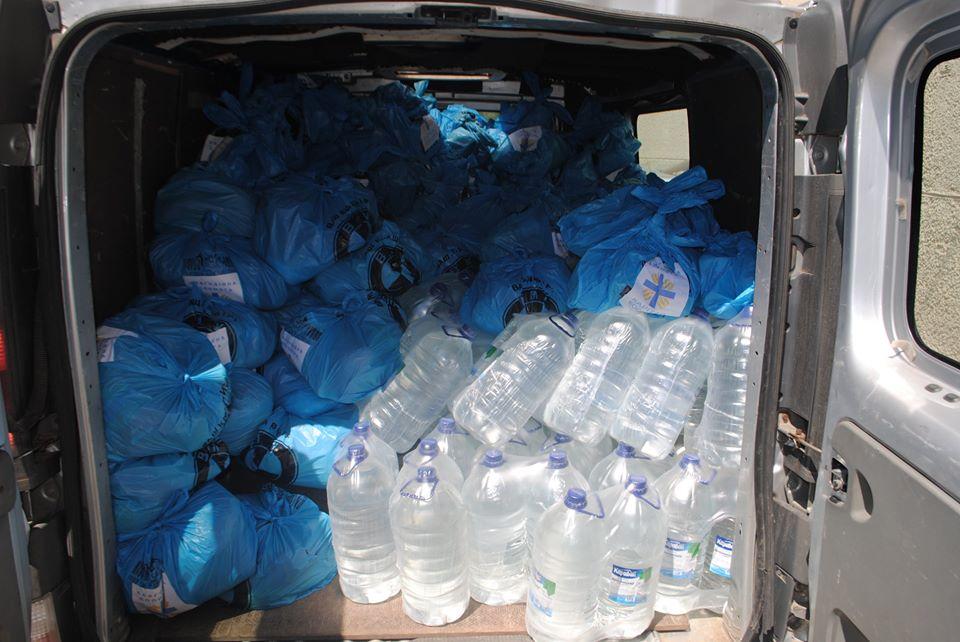 Волонтери передали постраждалим від повені питну воду, одяг та санітарні набори